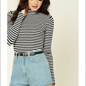 Mock neck striped crop top